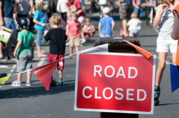 Exeter Play Streets road closed sign Live and Move